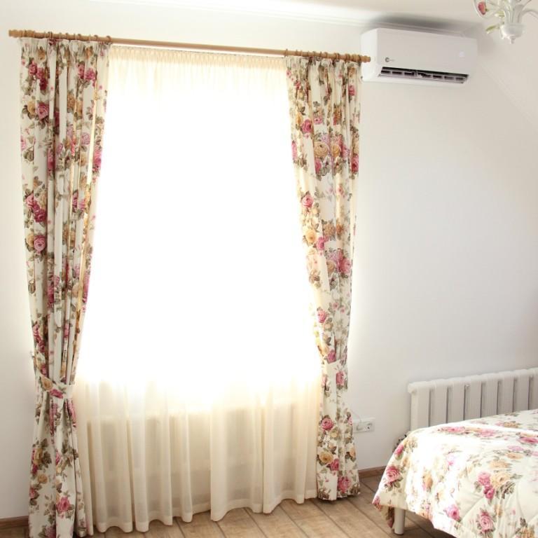 Шторы, покрывало и подушки в стиле прованс на заказ в спальне, пос. Озерки